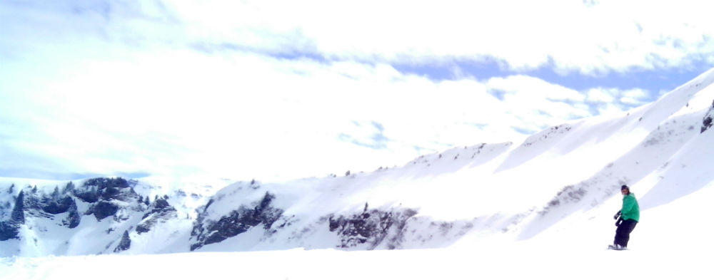 Want cheap French skiing Try small ski resorts in France snowboarding holiday in Les Carroz. Grand Massif