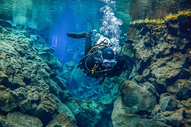 Guide to buying a BCD for scuba diving Best Buoyancy Control Device pixabay royalty free image from iceland