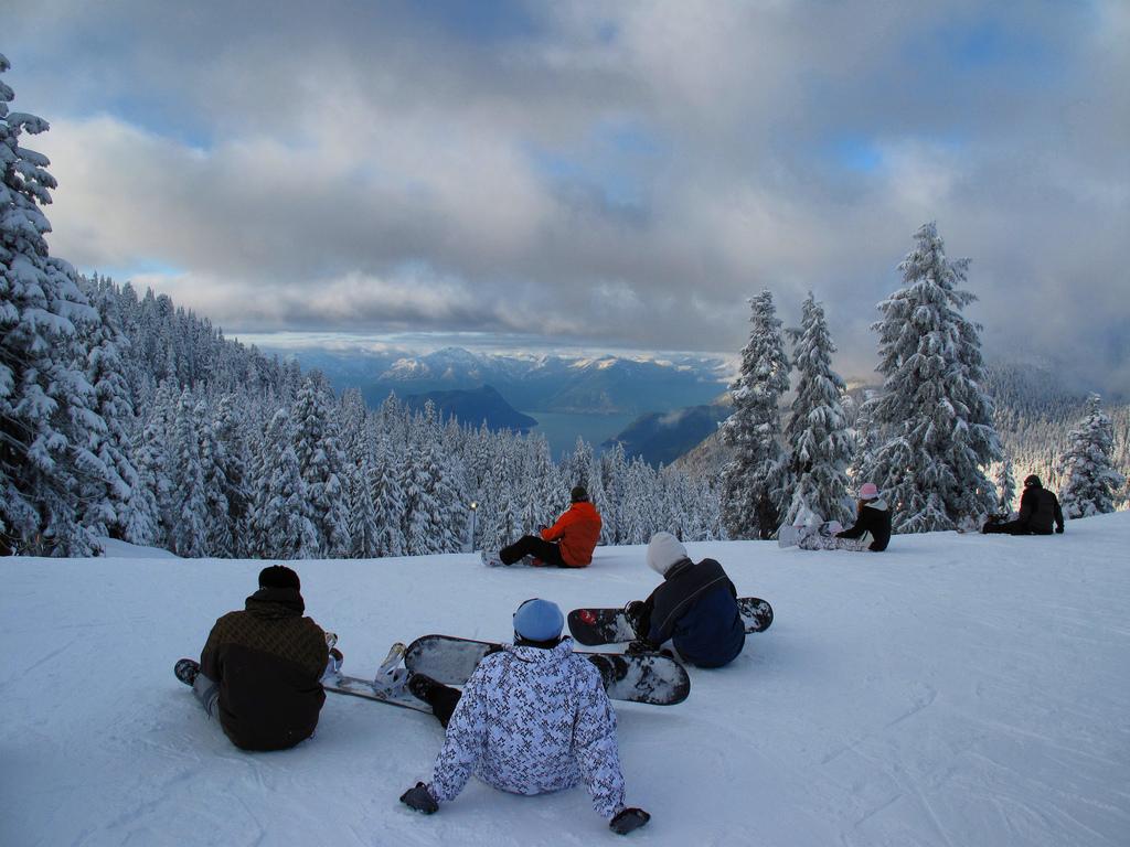 Cypress Mountain - top canadian ski resorts - Flickr cc Kyle Pearce