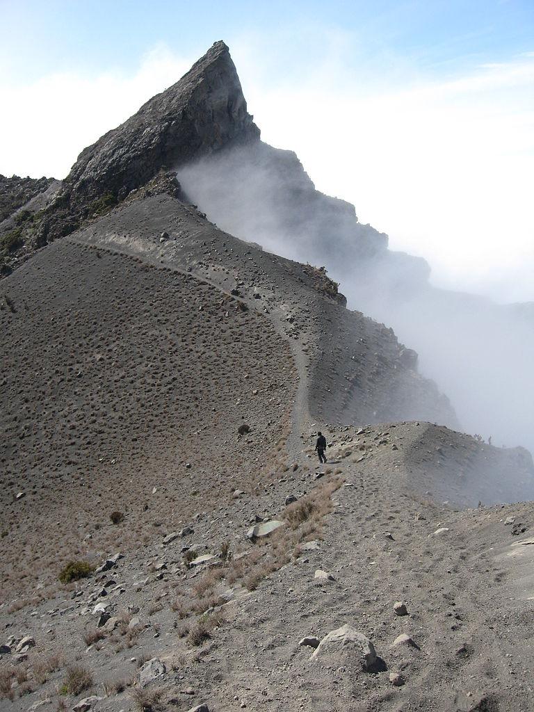 Mount Meru trek in Tanzania wikipedia CC image by Woodlouse