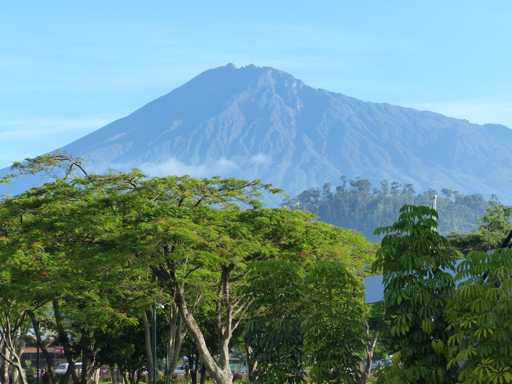 Mount Meru trek in Tanzania flickr CC image by romanboed