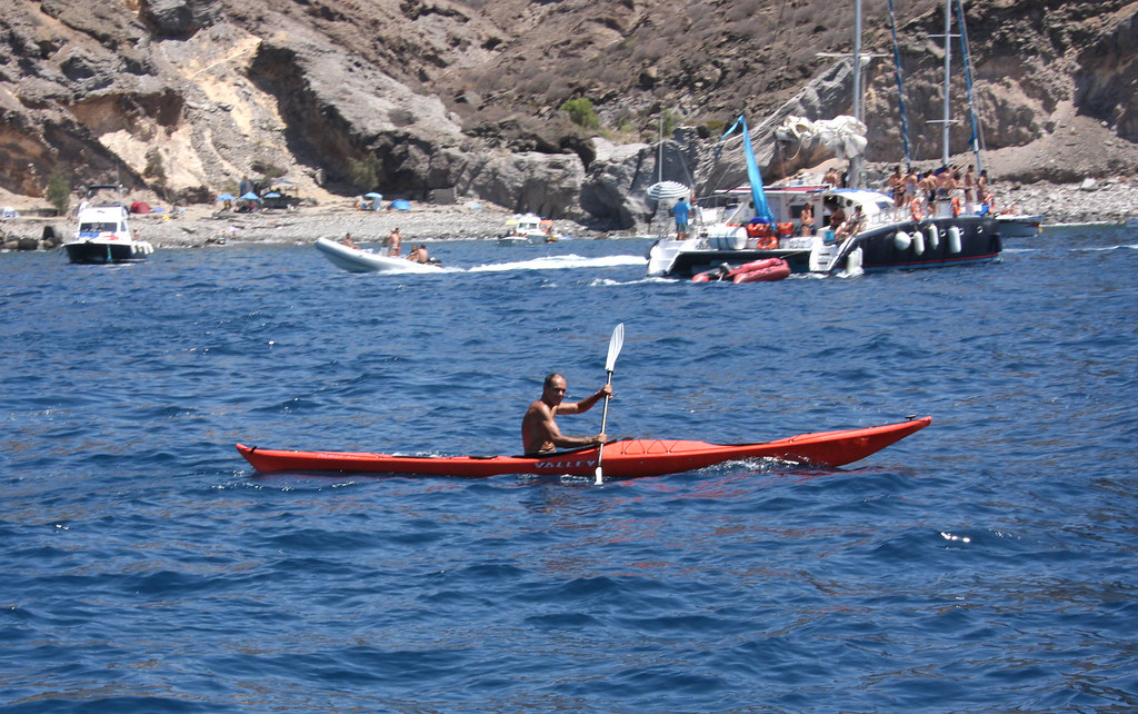 Kayaking the microclimates of Gran Canaria Flickr CC image of La Costa de Mogán in Gran Canaria by El Coleccionista de Instantes