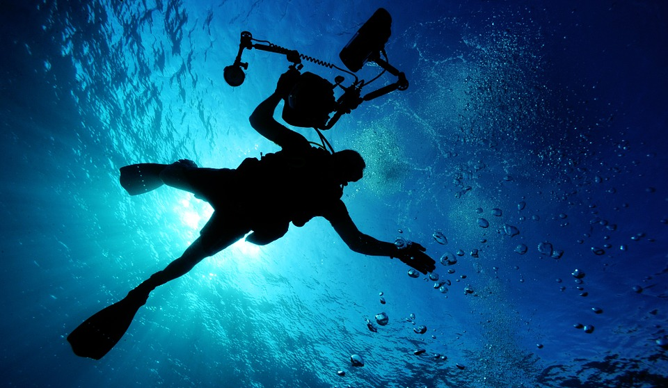 Guide to liveaboard dive holidays great for specialisms like underwater photography Pixabay royalty free image