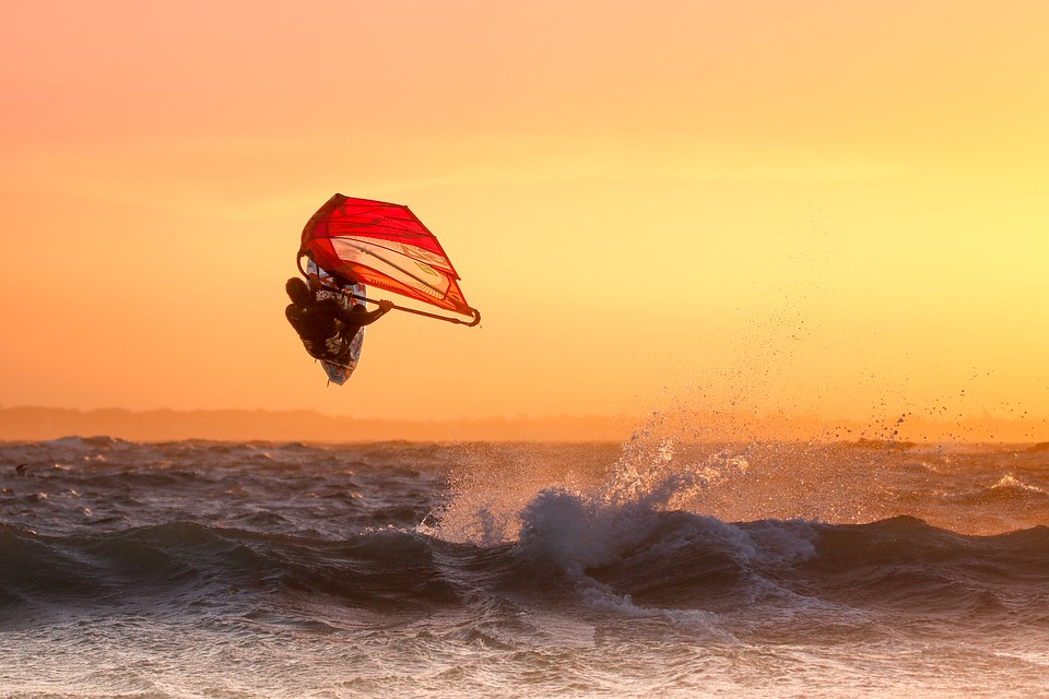 Top 15 high wind windsurf spots Best windsurfing for experts Pixabay Royalty free image from hawaii