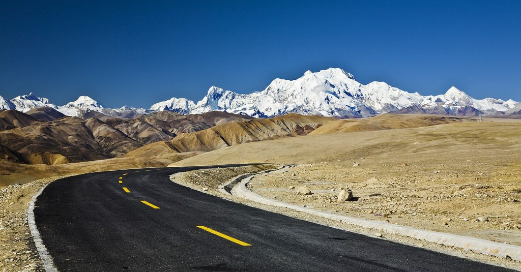 Himalaya overlanding Friendship highway road trip Tibet to Nepal Flickr cc image by Matteo Melchior