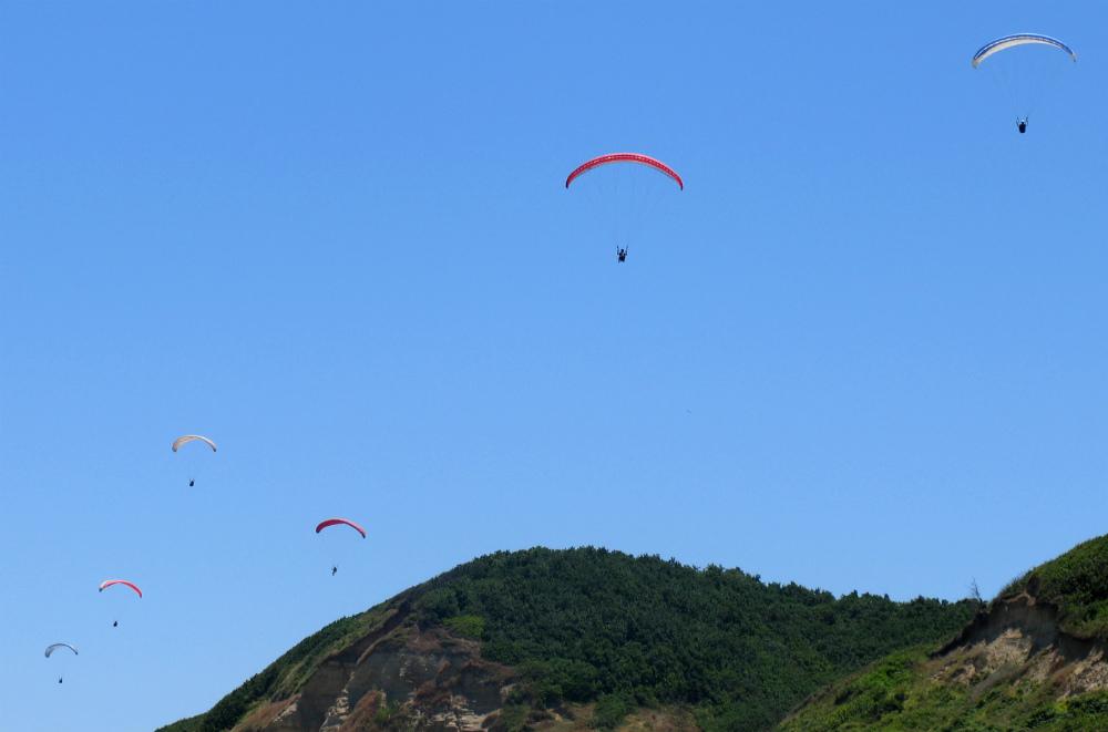 Ormanli Paragliding in Istanbul wikimedia image by nami yildirim