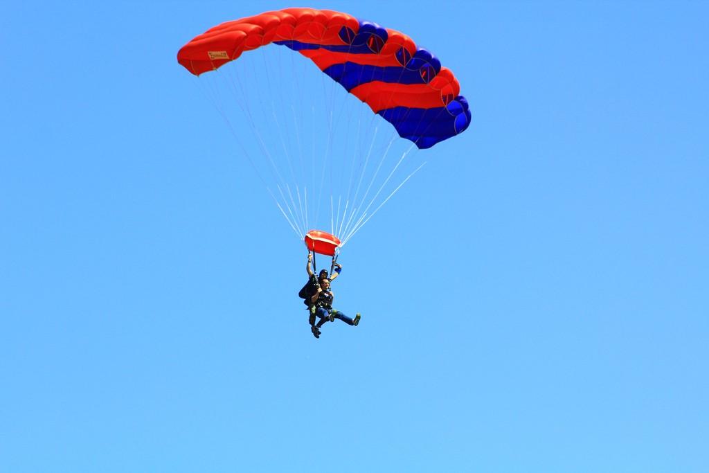 skydive-flickr-image-by-joebaz.jpg