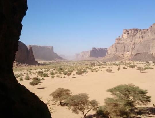 trekking in the Tibesti mountains Chad wikimedia CC image by Hassan Dadi