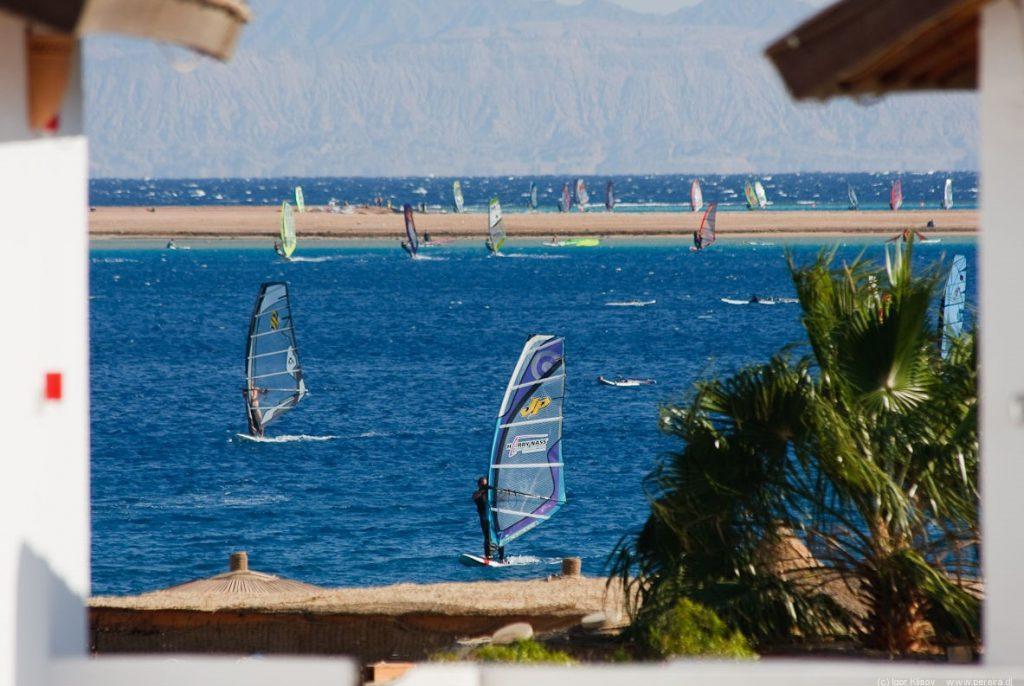 Dahab - Egyptian windsurfing - Flickr CC image by Igor Klisov