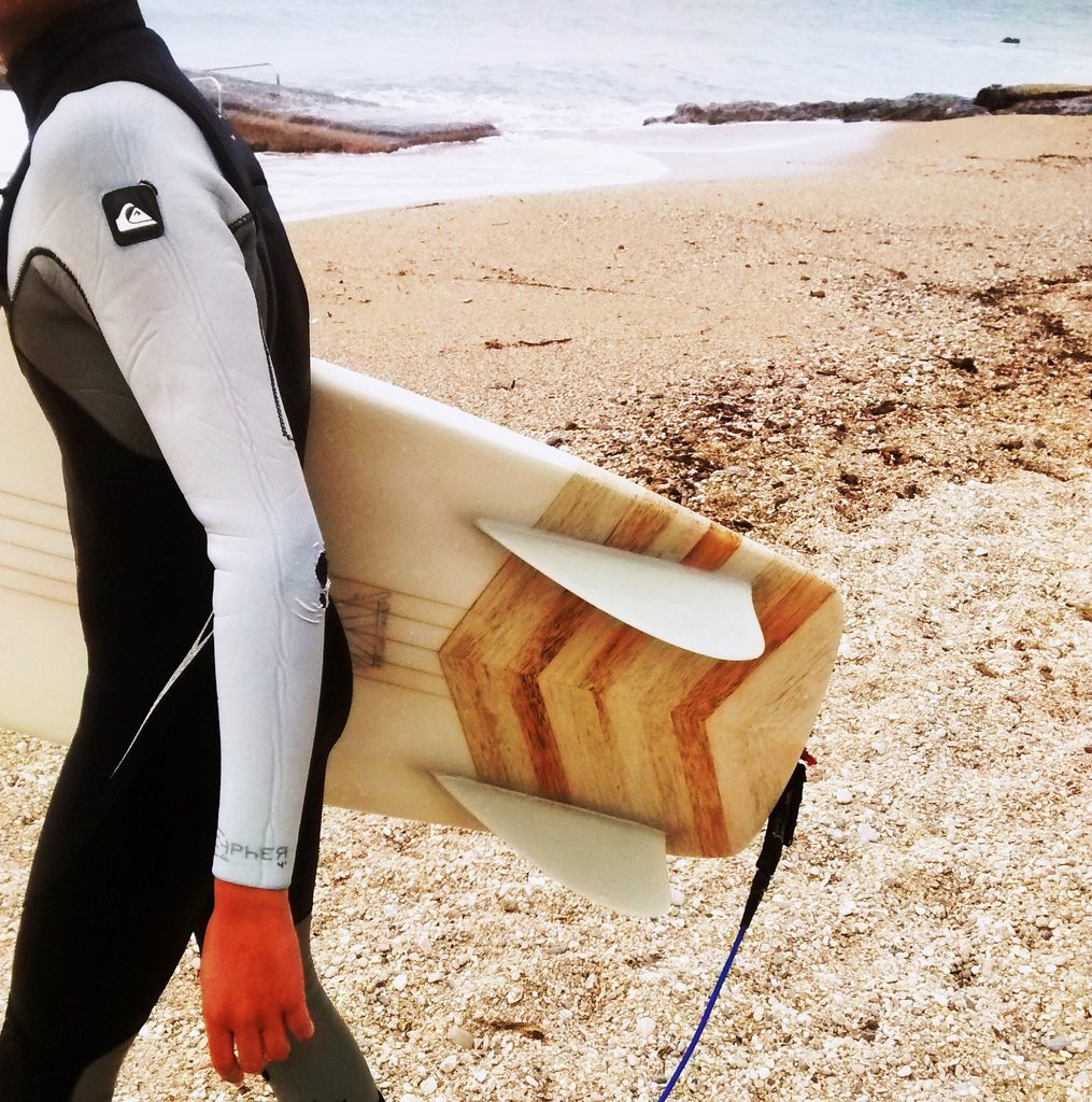 Science of surfing Guide to surfboard tail shapes - square tail. Flickr CC image by frphoto1