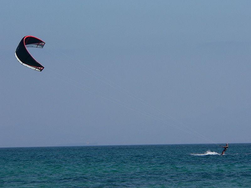 Kitesurfing in the US: 10 kite spots to rock Wikimedia image by Manuel González Olaechea y Franco