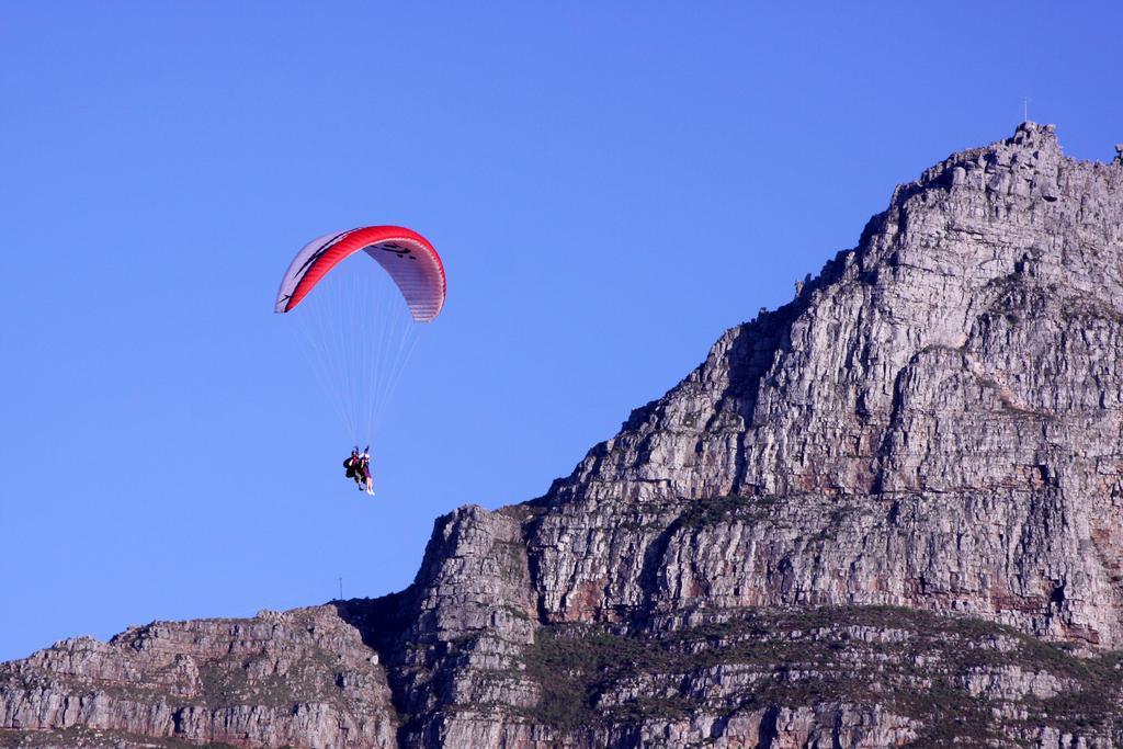 Learn to paraglide flickr image by Derek Keats