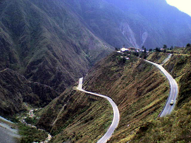 Tips for driving in Peru Wikimedia CC image of Carpapata by Tours Centro Peru