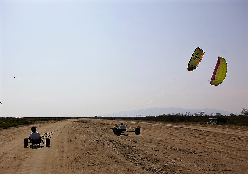 types of extreme sport - kite buggy - Flickr CC image by gaelx