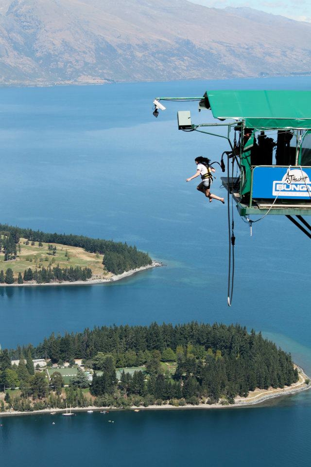 13 of the best bungee jumping destinations worldwide Ledge queenstown Flickr image by clobocopy