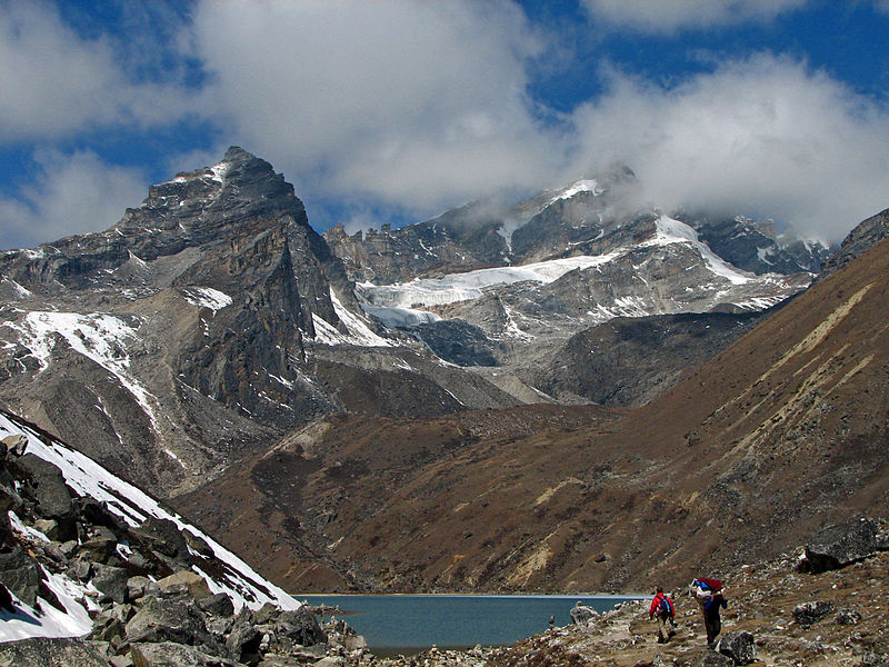 Best treks in Nepal Wikimedia image by McKay Savage