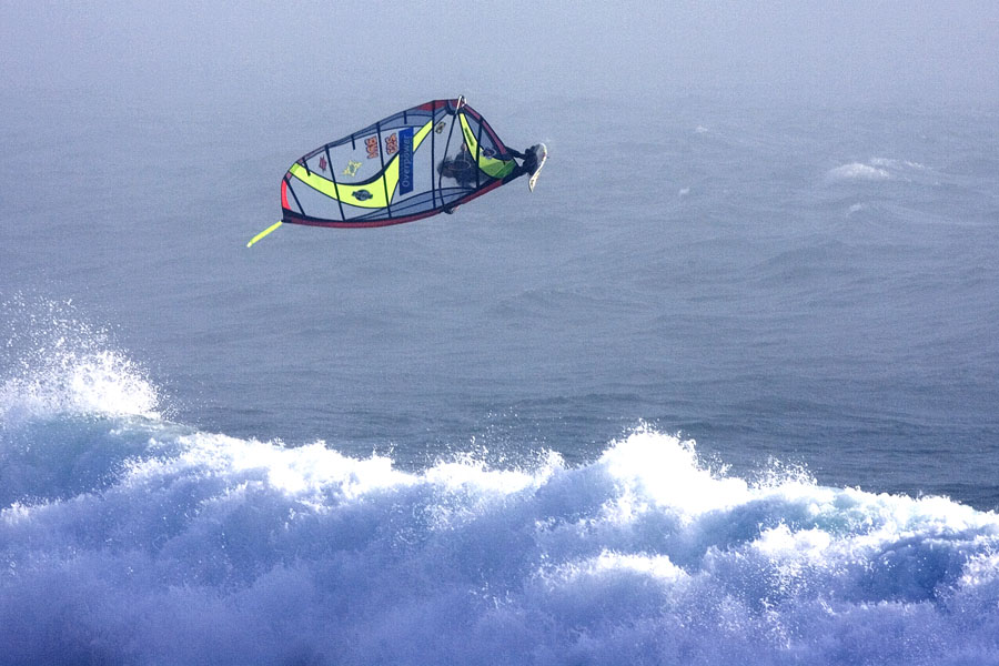 Guincho one of the best high wind Windsurf spots in the world image of kauli seadi Copyright of PWA tour Guiche 2005