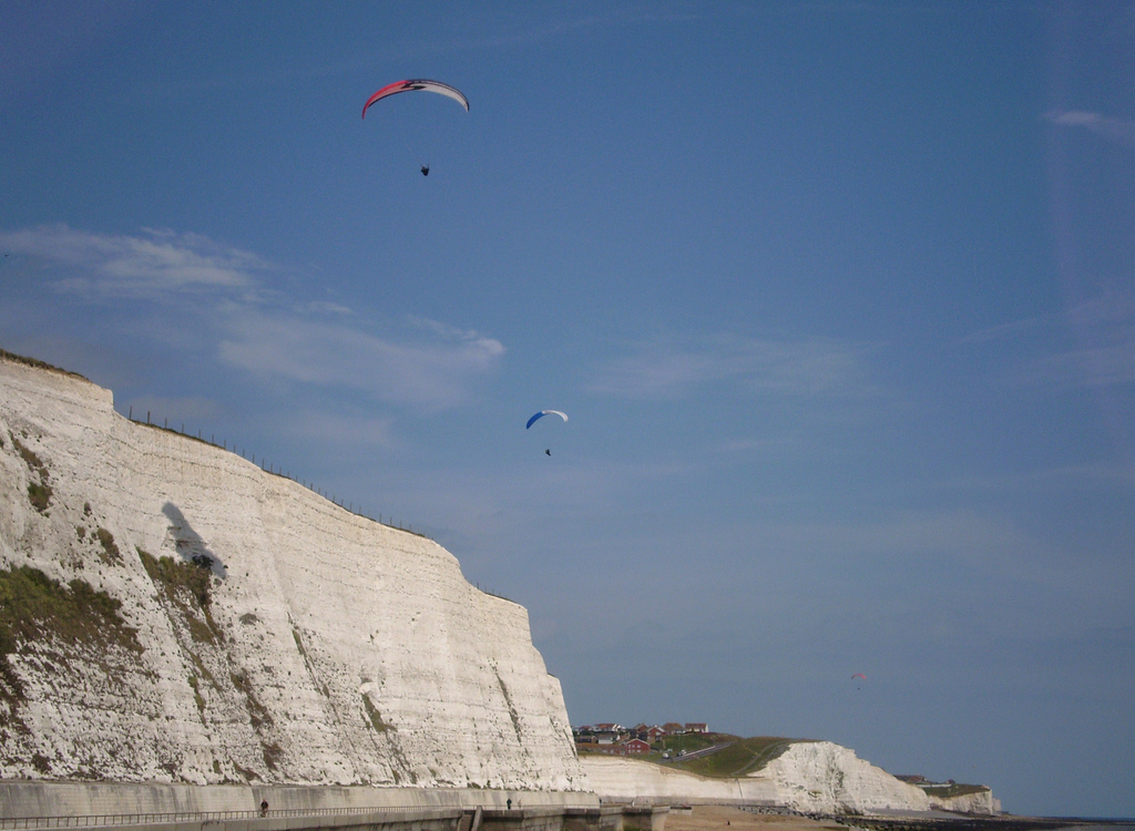 Paragliding in Sussex flickr image by Bods