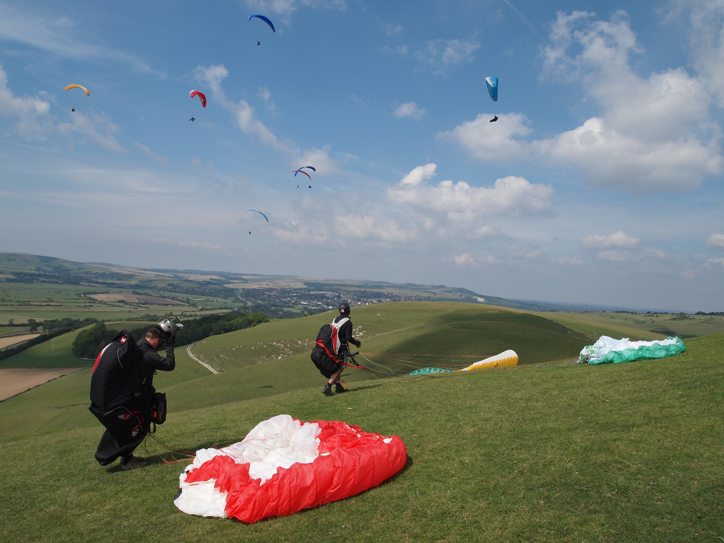 Paragliding in Sussex flickr image by PaulTKeith