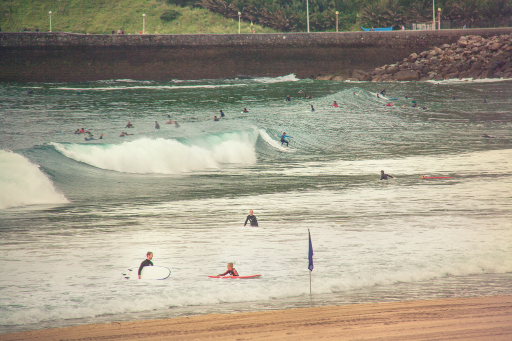 Playa de Gros (Zurriola) Guide to San Sebastian surfing holidays in north Spain Flickr image by Juanedc