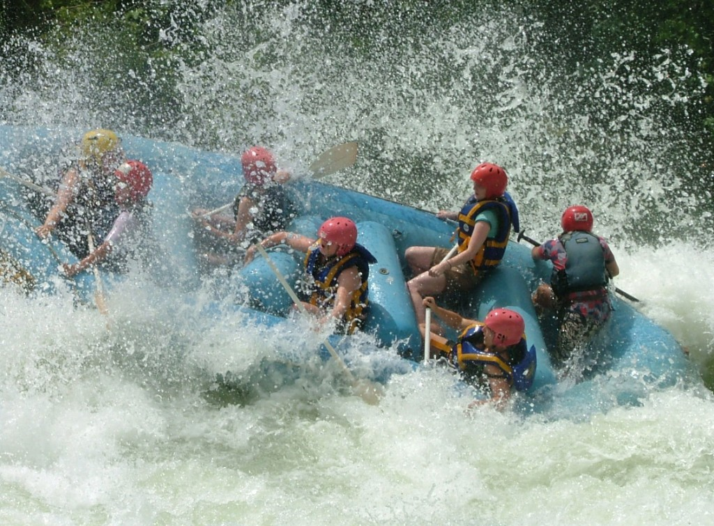 white water rapid grade and International Scale of River Difficulty flickr image by PeterJBellis