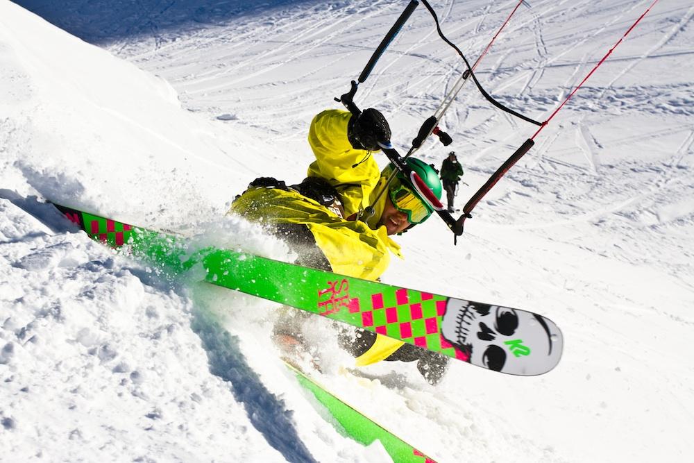 Snowkiting holiday in Switzerland: Simplon Pass snowkite trip