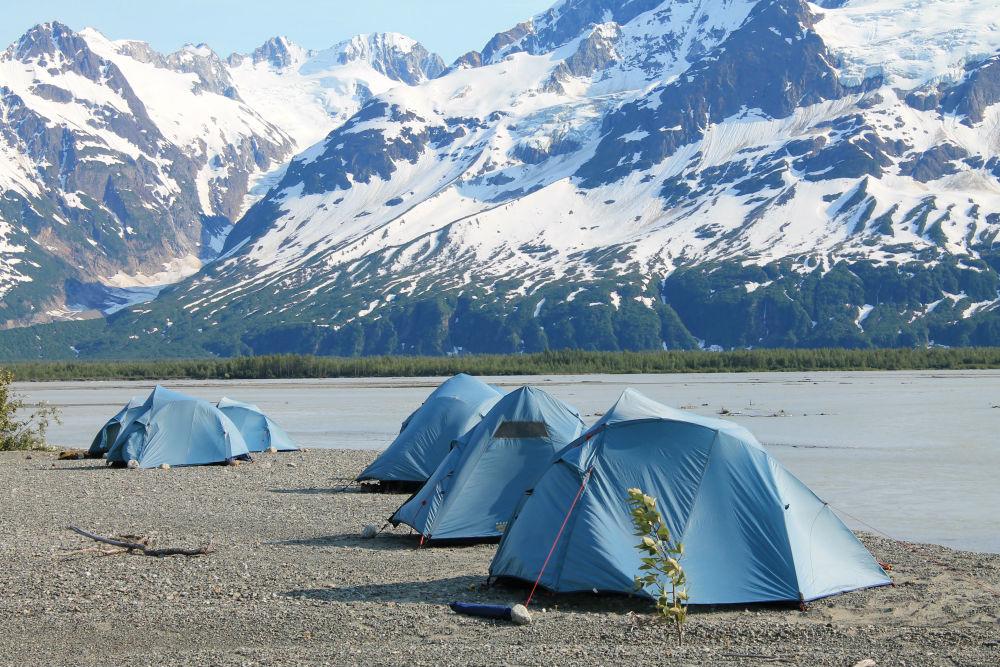Tatshenshini River rafting expedition Camping - Simon Gee