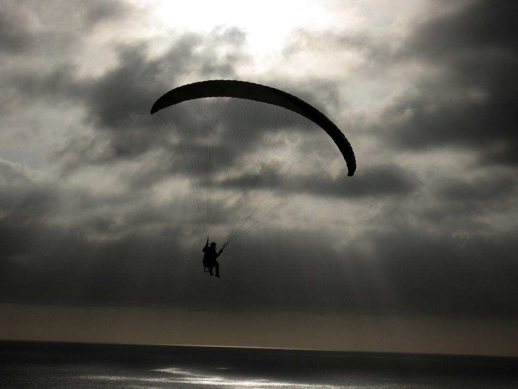 Paragliding destinations in Asia flickr image by Matthew Bietz