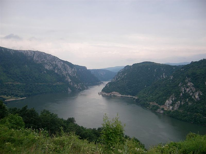 Serbia trekking holiday Wikimedia image by Lys3rg0