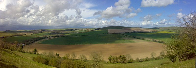 Top 18 routes for long distance trekking in Britain The South Downs Way Wikimedia image by Gottik666