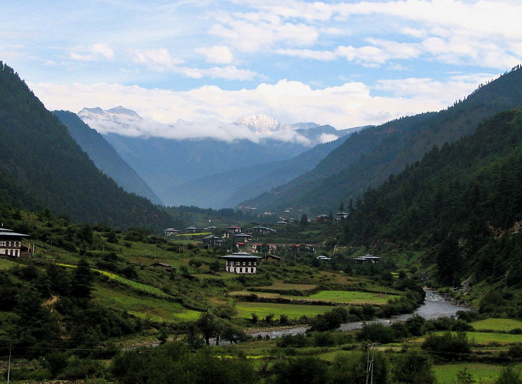 Hike the Himalaya: 11 tips for trekking in the Himalayas Wikimedia Commons image of Bhutan by Greenmnm69