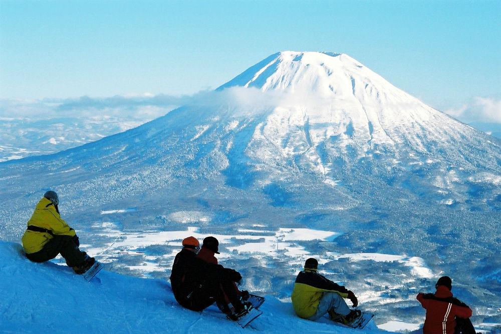 Japan Snowboarding Holidays 2 image courtesy of Patrick Thorne