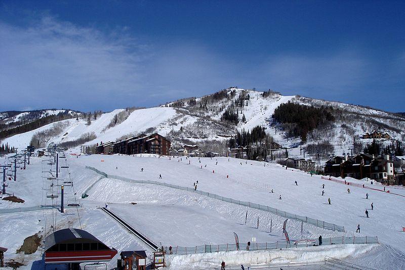Best Ski News 2014 wikimedia image by CarTick