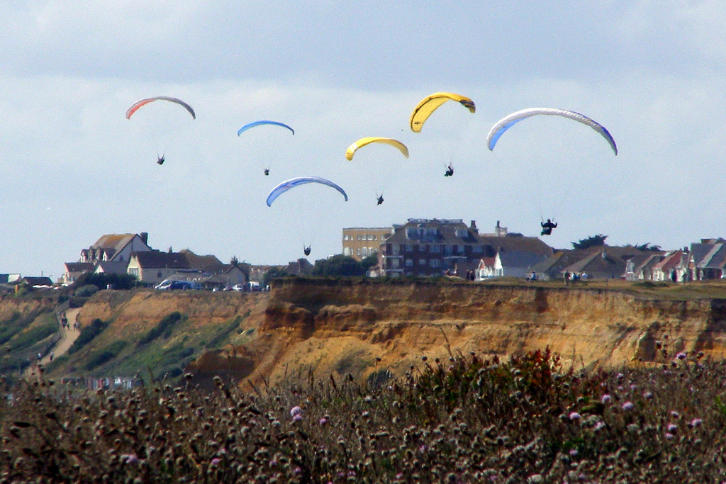 Guide to Bournemouth paragliding holidays and day trips Flickr image by treehouse1977