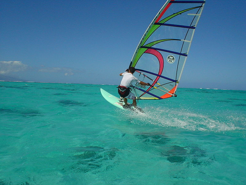 Cheap windsurfing holidays Wikimedia image by Francis CLERC