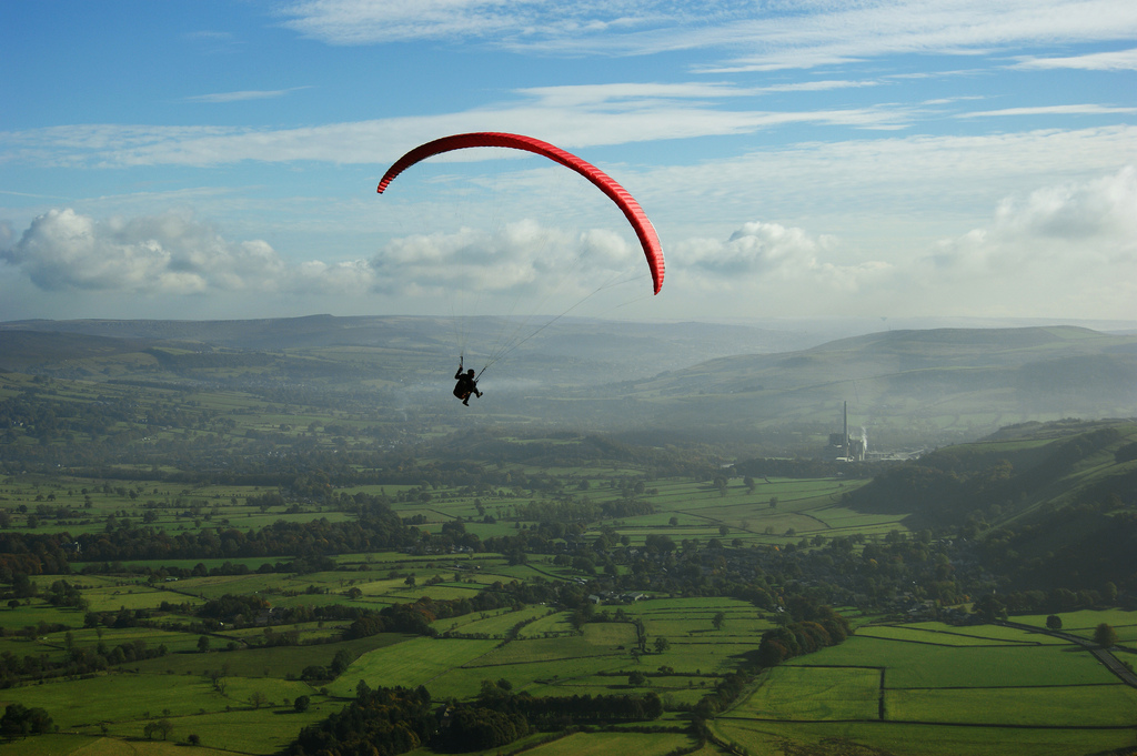 Paragliding holidays flickr image by Sidibousaid60