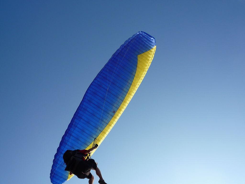 Phuket Paragliding Wikimedia Commons image by ADwarf