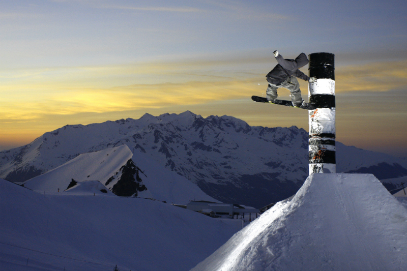 Review of Les 2 Alpes snowboarding holiday Copyright © Office de Tourisme Les 2 Alpes / Nico Lafay