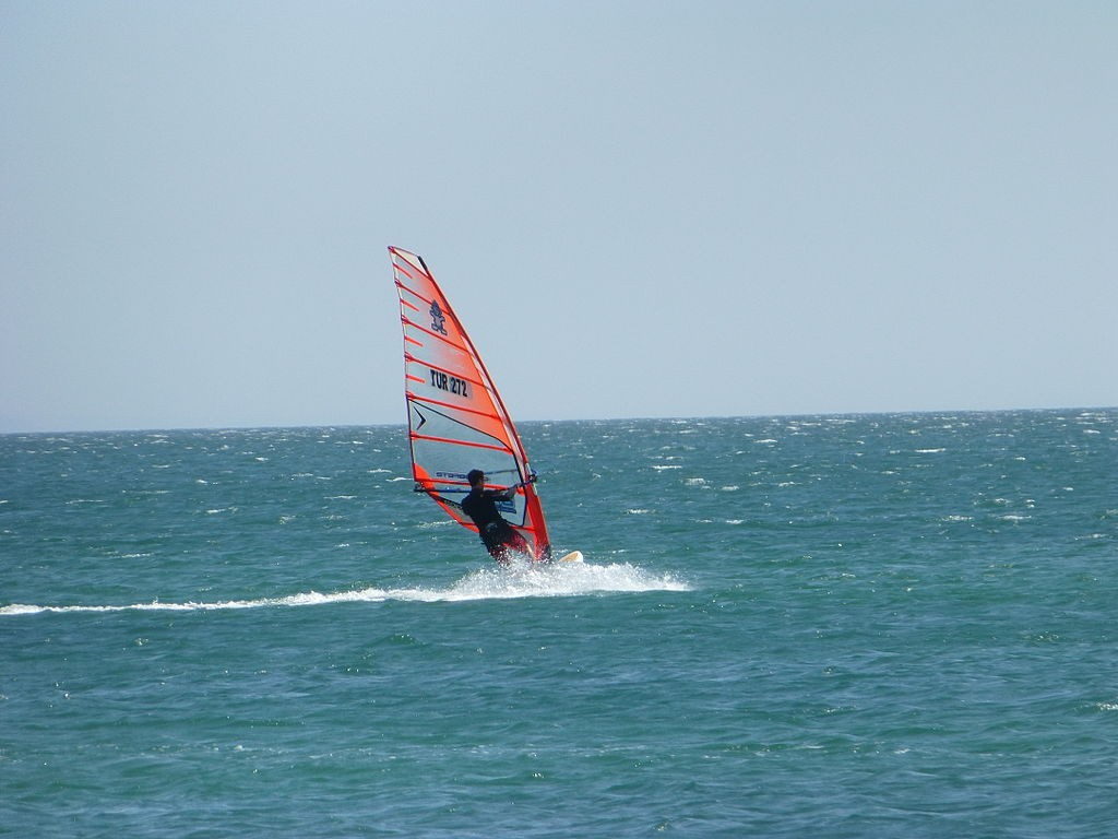 Best Caribbean water sport holiday destinations: Trinidad and Tobago Windsurfing holidays Wikimedia Commons image by Nevit Dilmen