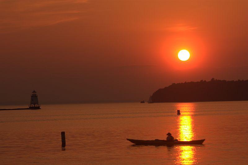 Wilderness kayaking adventures wikimedia image by Nagaraju.ramanna