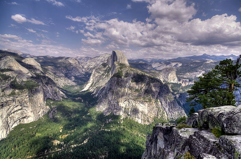 Great US trekking holidays Wikimedia image by Vincente Villamon