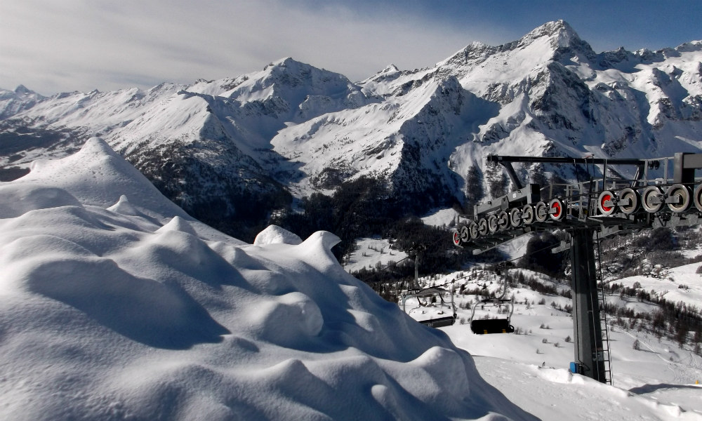 View from Monta Rosa restaurant in Alagna Freeride snowboarding paradise