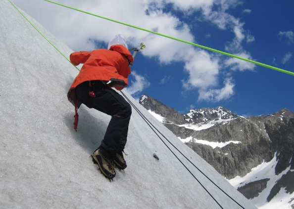 Beginner climbing peaks in the Alps image by Undiscovered Alps