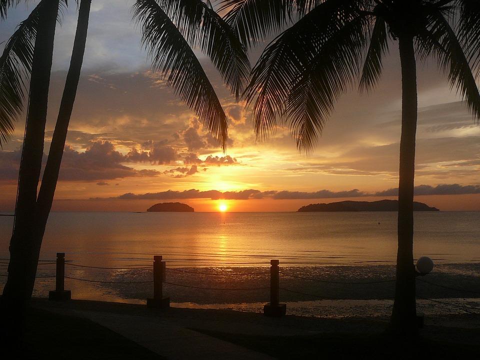 Guide to Borneo overlanding tours and Best Malaysia adventure holidays in Kota Kinabalu, Sabah pixabay royalty free image