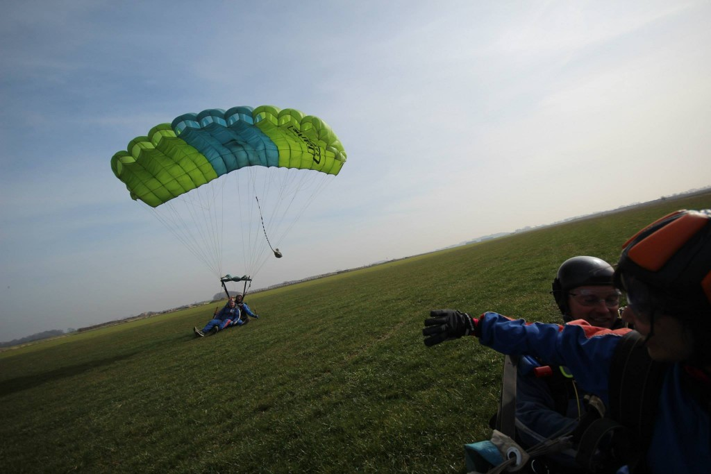 Raise money through charity skydiving events