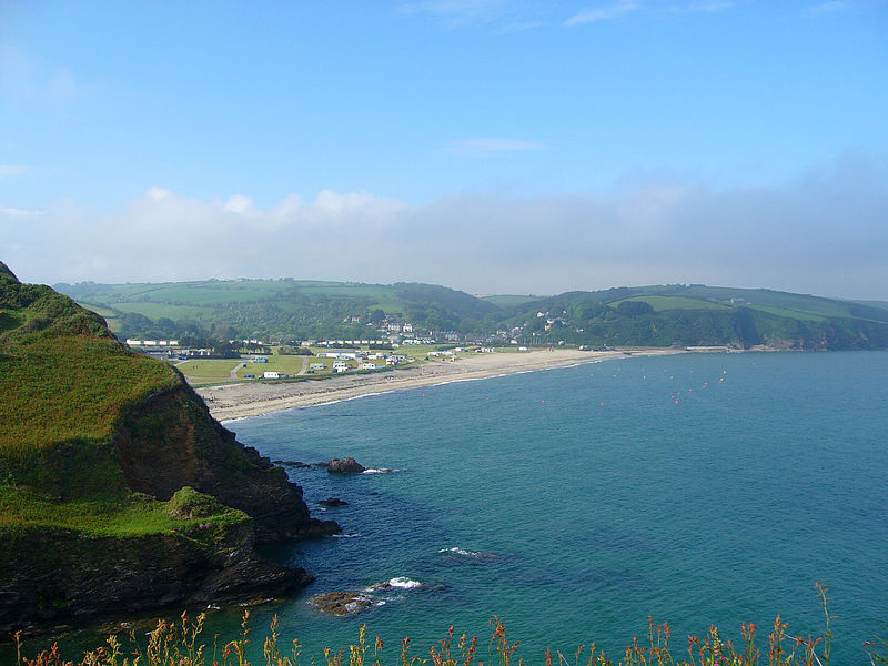 Best Cornwall kite beaches Pentewan Wikimedia image by Fallschirmjager