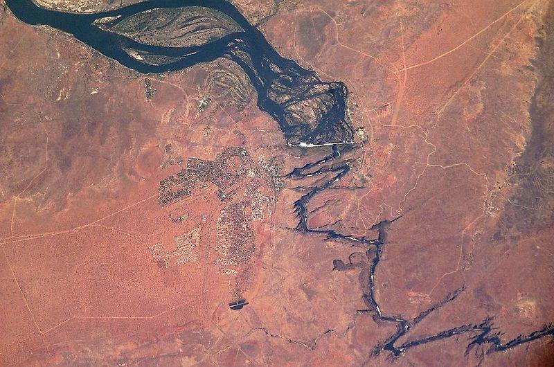 Zambezi rafting holidays wikimedia image by ISS Expedition 7