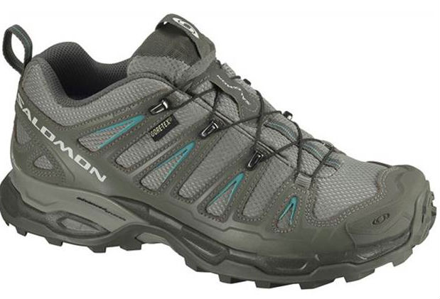 Best light hiking shoes of 2012 Tips to buy trekking trainers