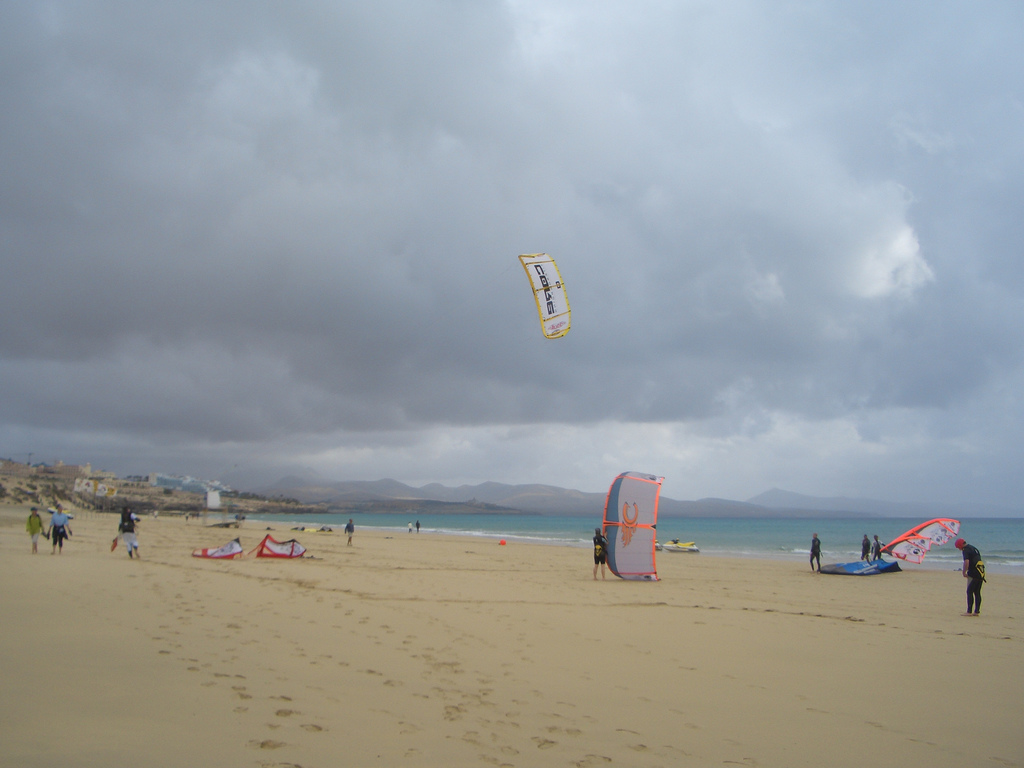Kitesurfing holidays in the Canary Islands flickr image by Daniel H.