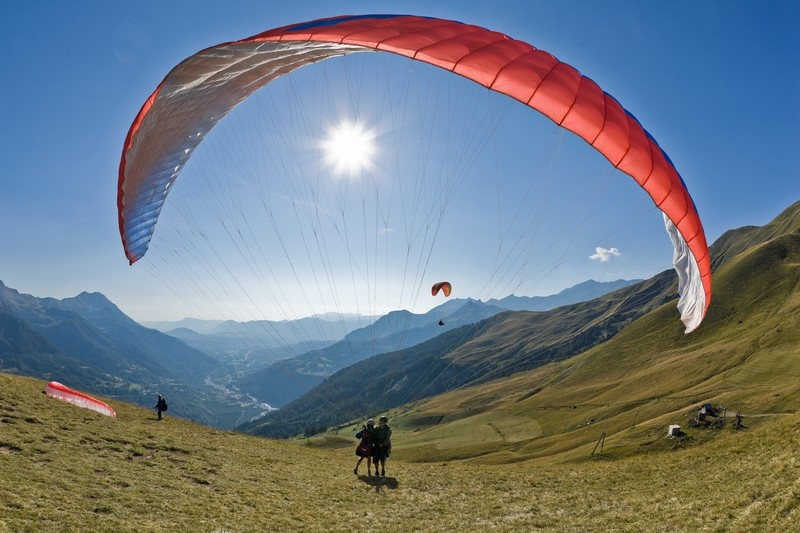 Paragliding with Undiscovered Alps
